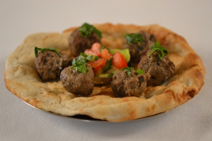 spicy-meatballs-on-naan